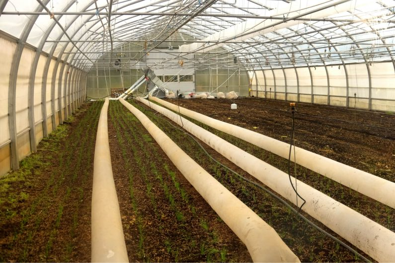 Positive ventilation can properly ventilate a greenhouse during cold months. /Credit : Alex Chabot